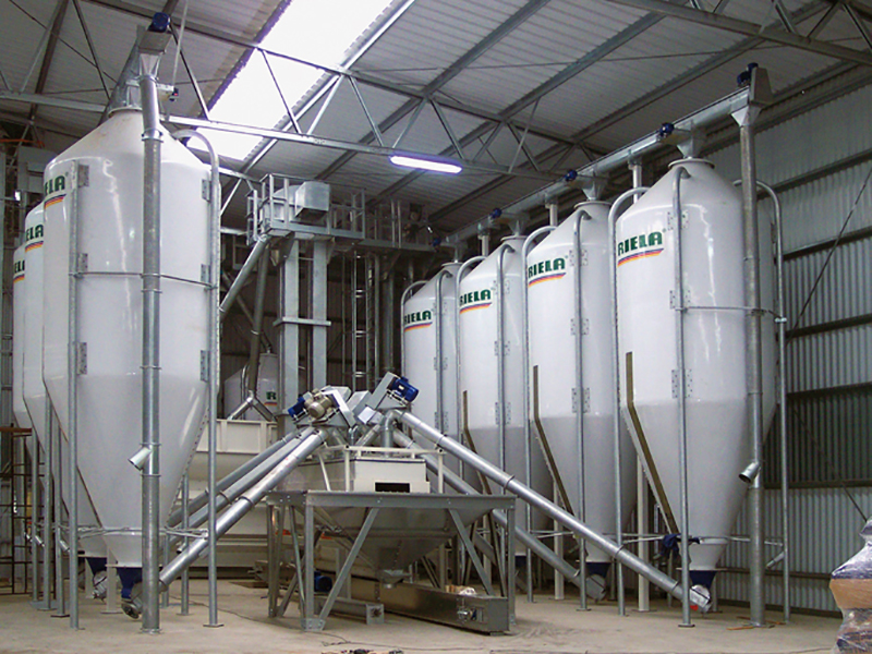 Mixed feed Silos