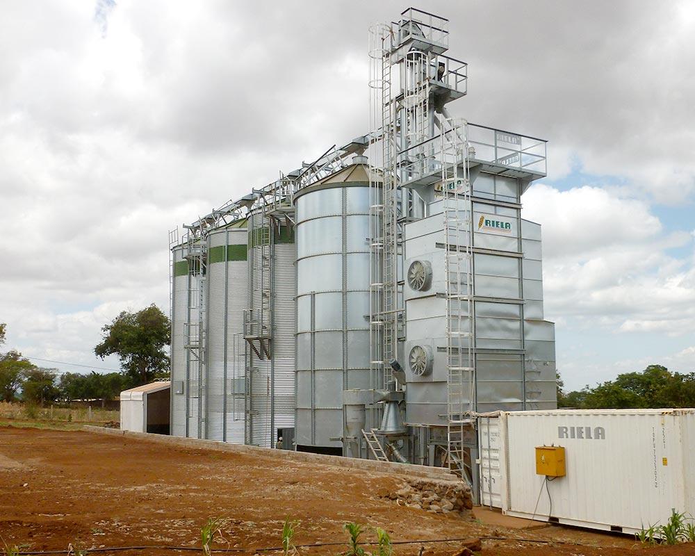 RIELA in Tansania Siloanlage