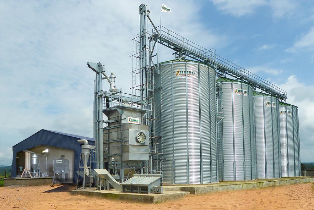 RIELA Technology Nigeria Ltd Keffi, Zangofarm Siloanlage, TrockneMahlen Mischen Reinigen