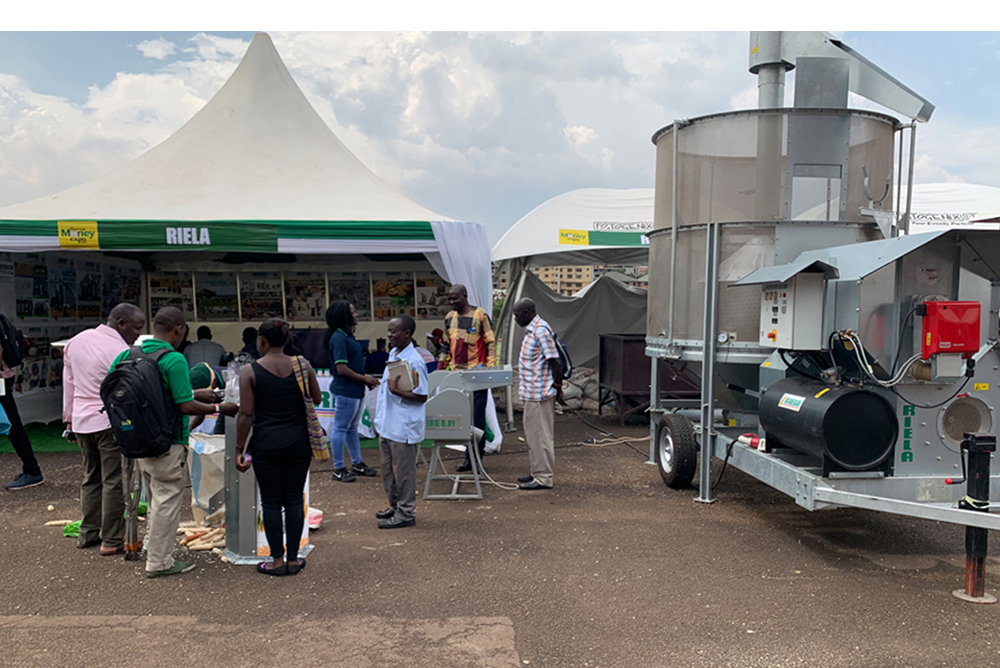RIELA<sup>®</sup> Auf der Messe Harvest Honey Expo 2020 in Kampala, Uganda